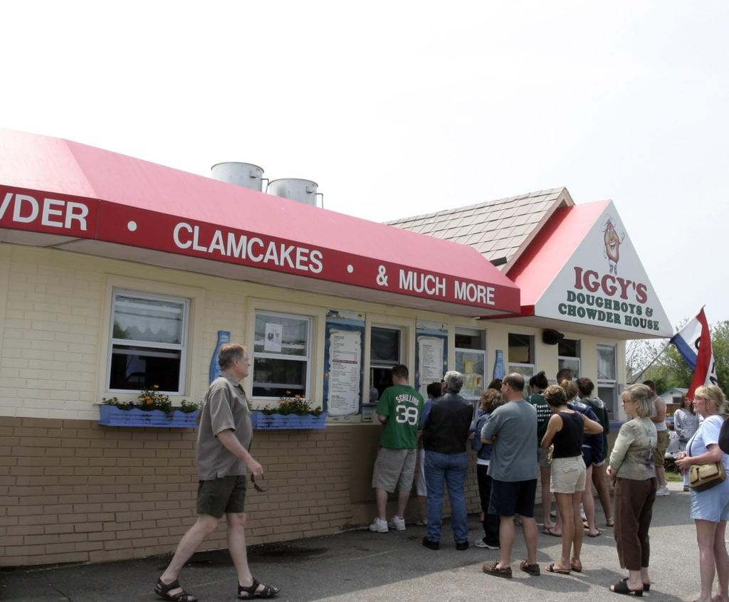 Line of people waiting to order at the window at Iggy's in Rhode Island.
