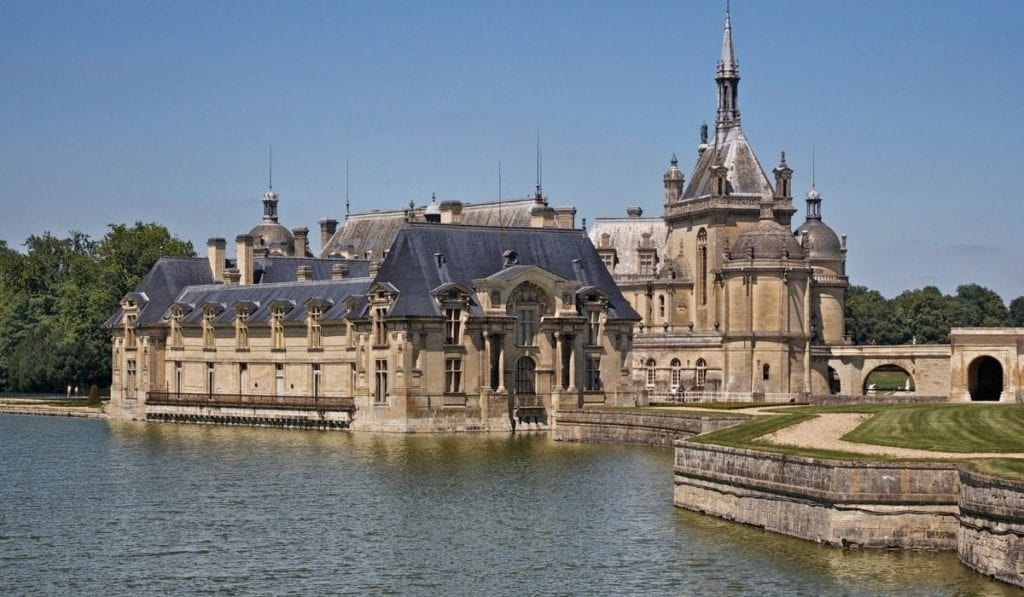 One of the best day trip from Paris - Chateau de Chantilly, a gorgeous chateau close to the French capital.