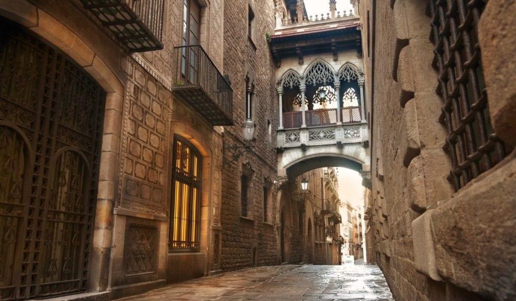Ponte del Bisbe in the Gothic Quarter, Barcelona.